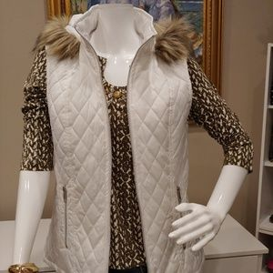 NWT CHRISTOPHER & BANKS HOODED VEST M